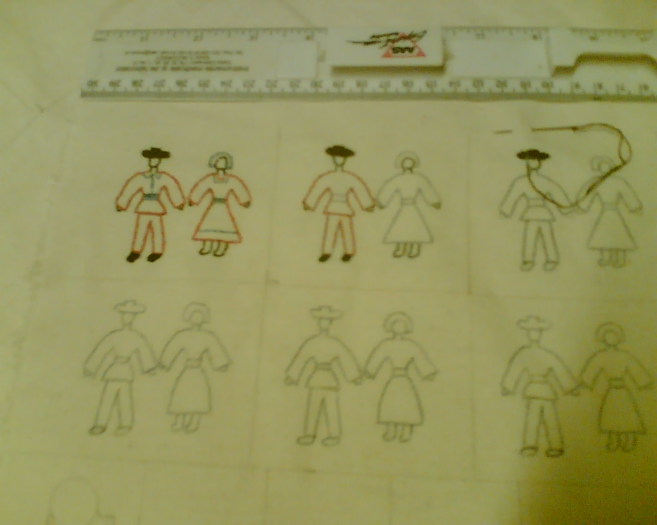 Comandați Fetițe Mărțișor și Broșe delicate Mouline pentru Mărțișor